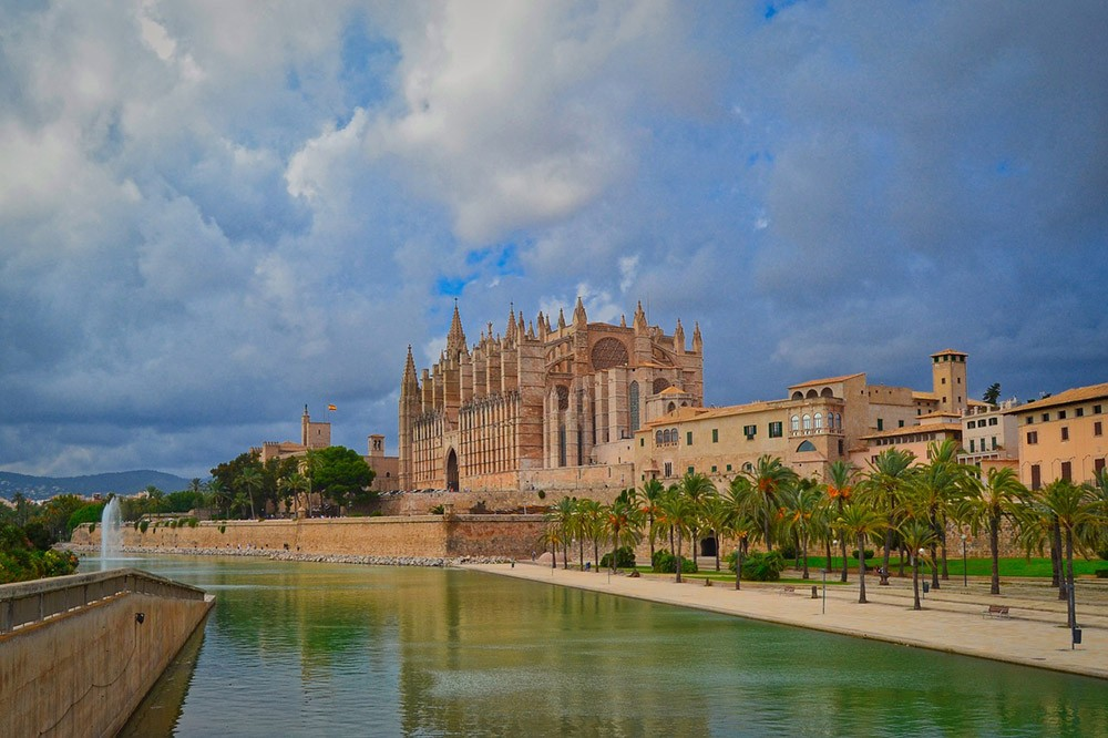Mallorca or Majorca