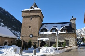 Parador hotel in Spain's mountains, ideal for skiing