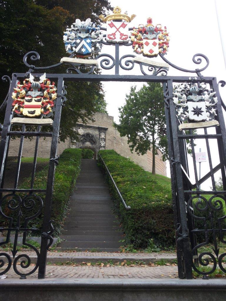 Leiden images: the Burcht, where Leiden started