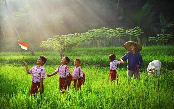 Indonesia facts: young population