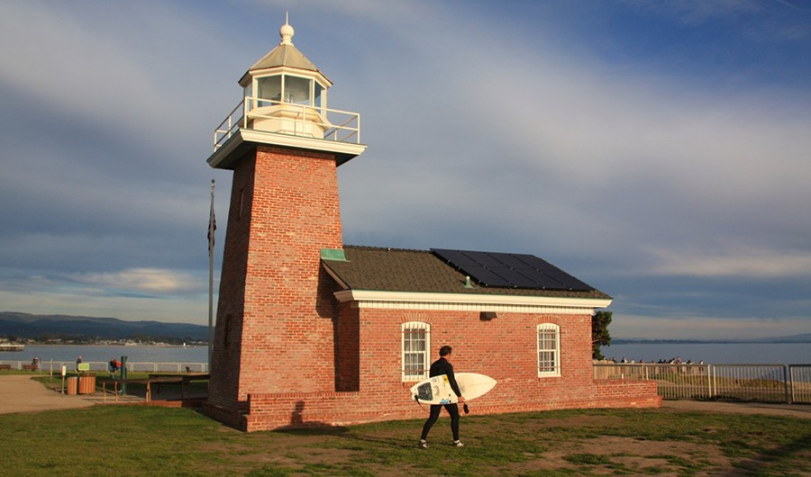 Santa Cruz lighthouse and surfing museum