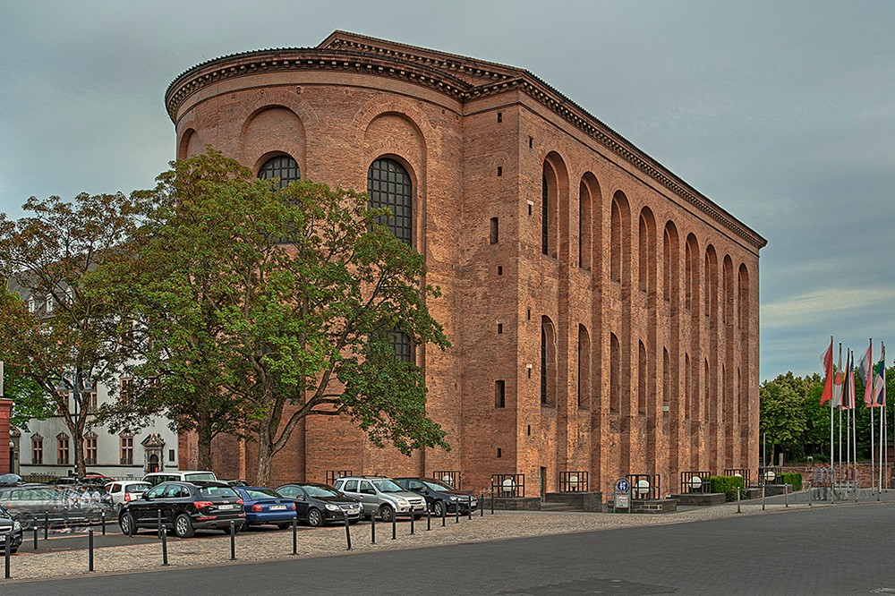 what to do in Trier: Be amazed by the size of the Konstantin-Basilika