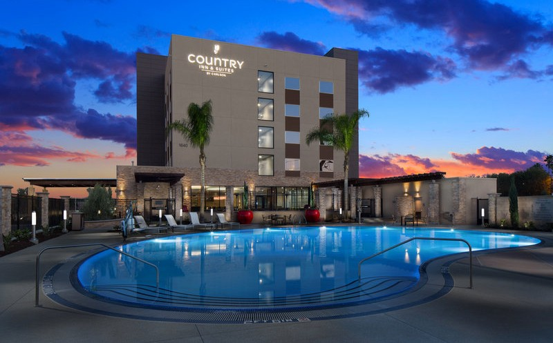 Country Inn & Suites in Anaheim, California