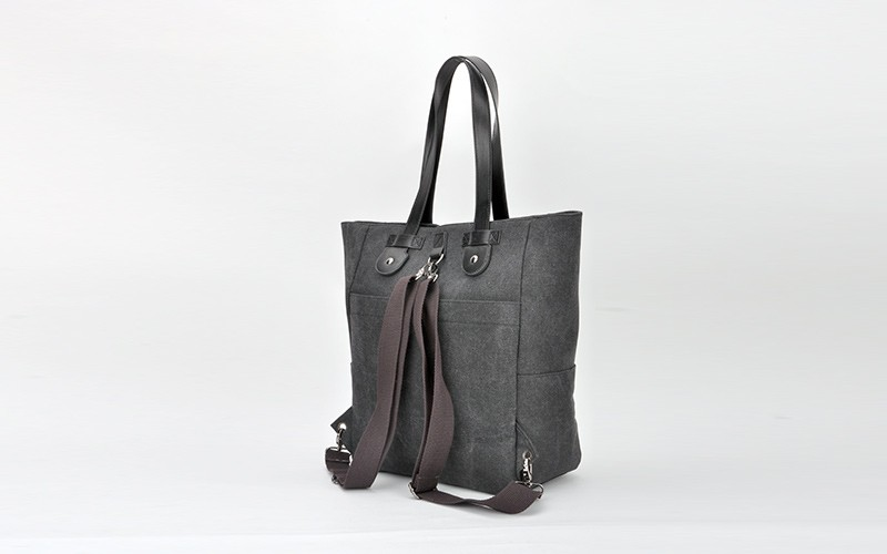 travel essential: tote bag and backpack