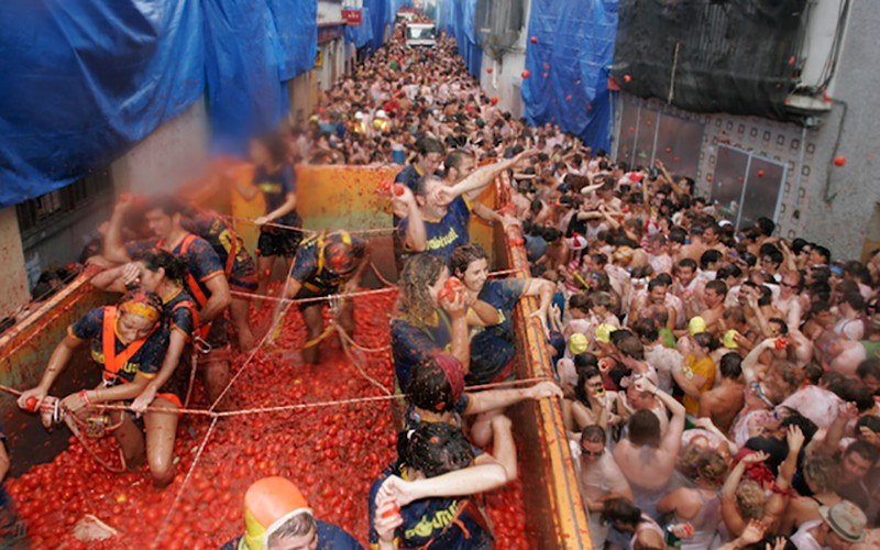 Crazy festivals in Spain: La Tomatina