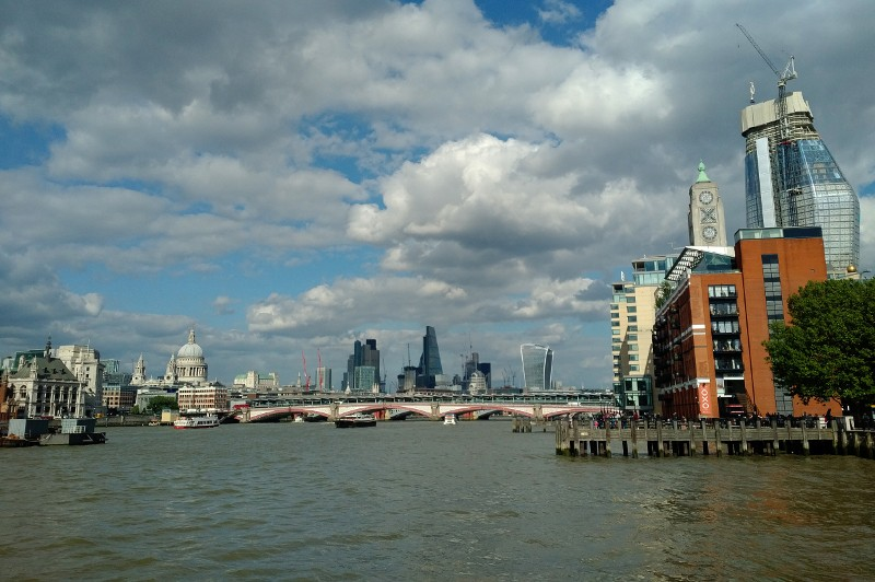 London insider tip: walk along the Thames