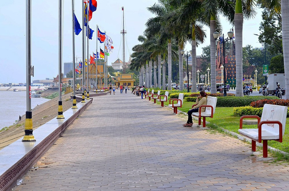 living in Phnom Penh