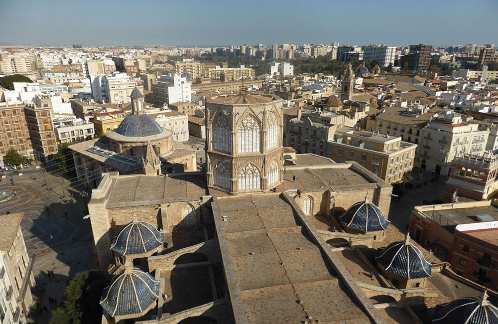 places to visit in Valencia: the impressive cathedral