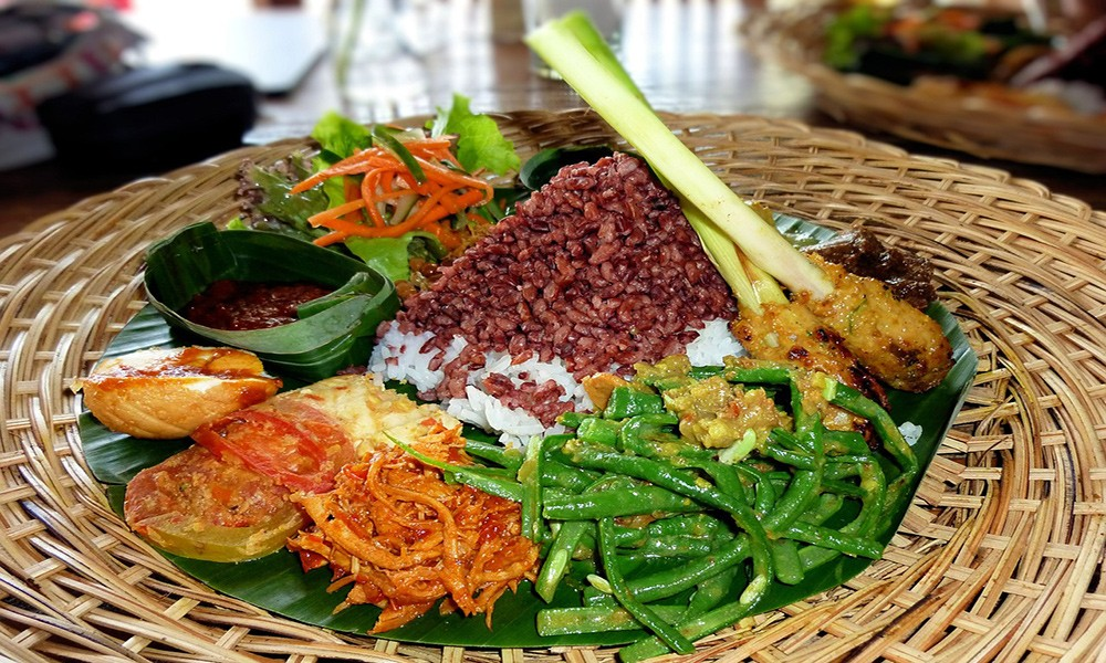 What not to miss in Indonesia: Indonesian food