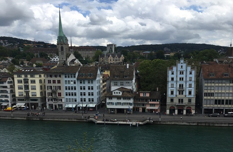 A complete travel guide to Zürich: Niederdorf