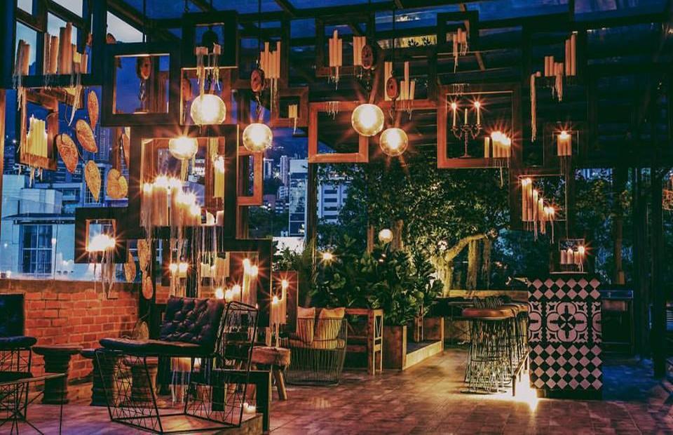 Best rooftop bar in Medellin: Vaggart