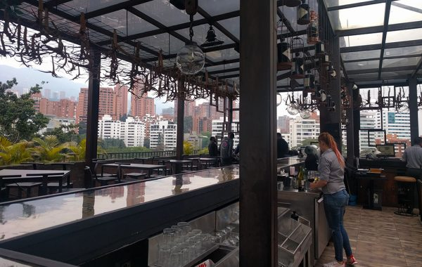 best_rooftop_bar_medellin_vaggart