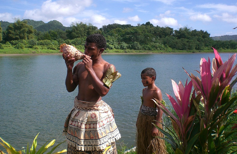 Things to know before traveling to Fiji - Happy people