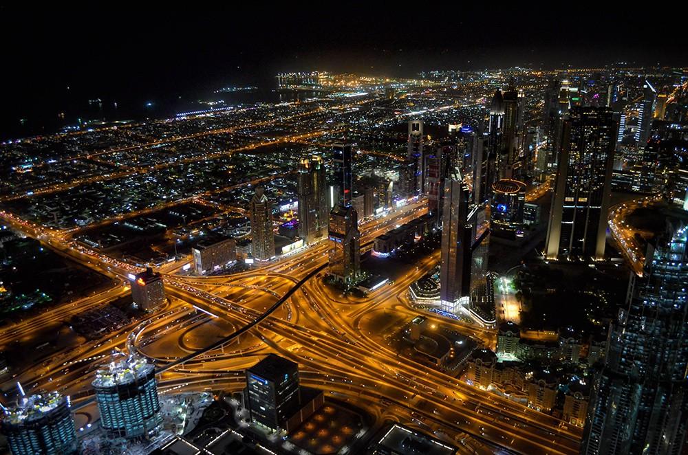 Things to do in Dubai: Enjoy the view from Burj Khalifa