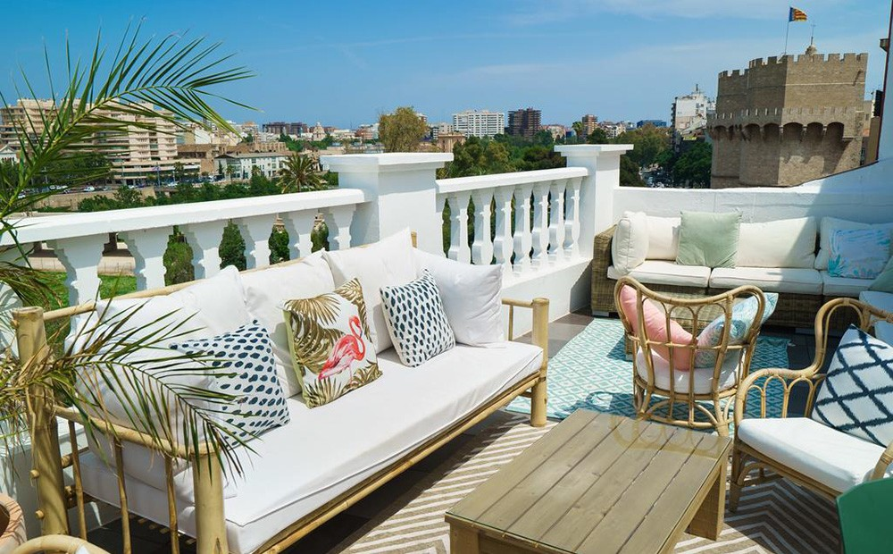 Best rooftop bars in Valencia center: Terraza de Blanq