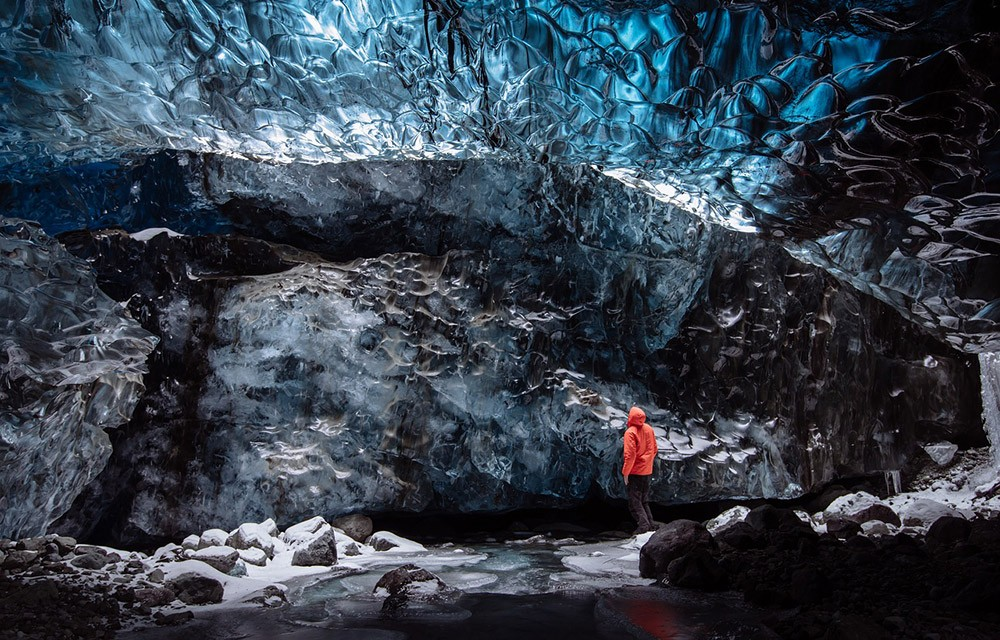 How to get around Iceland on a budget - hitchhiking