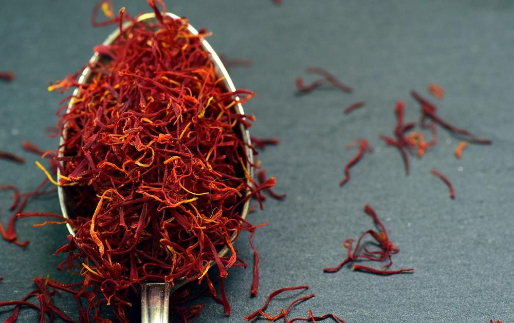 paella ingredients - saffron
