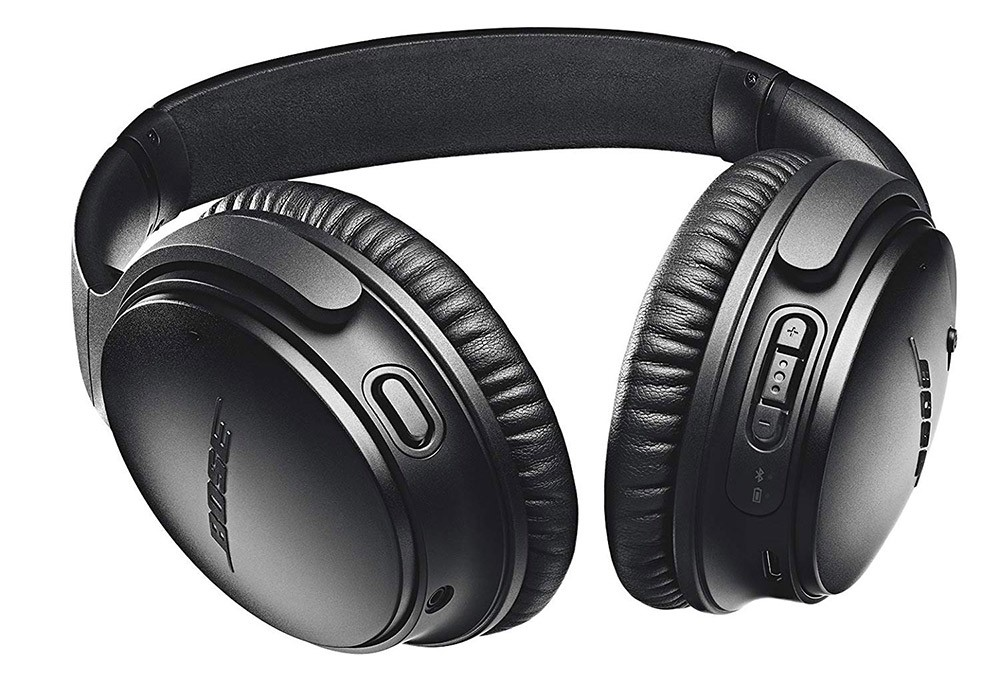 perfect gift for digital nomads: noise canceling headphones