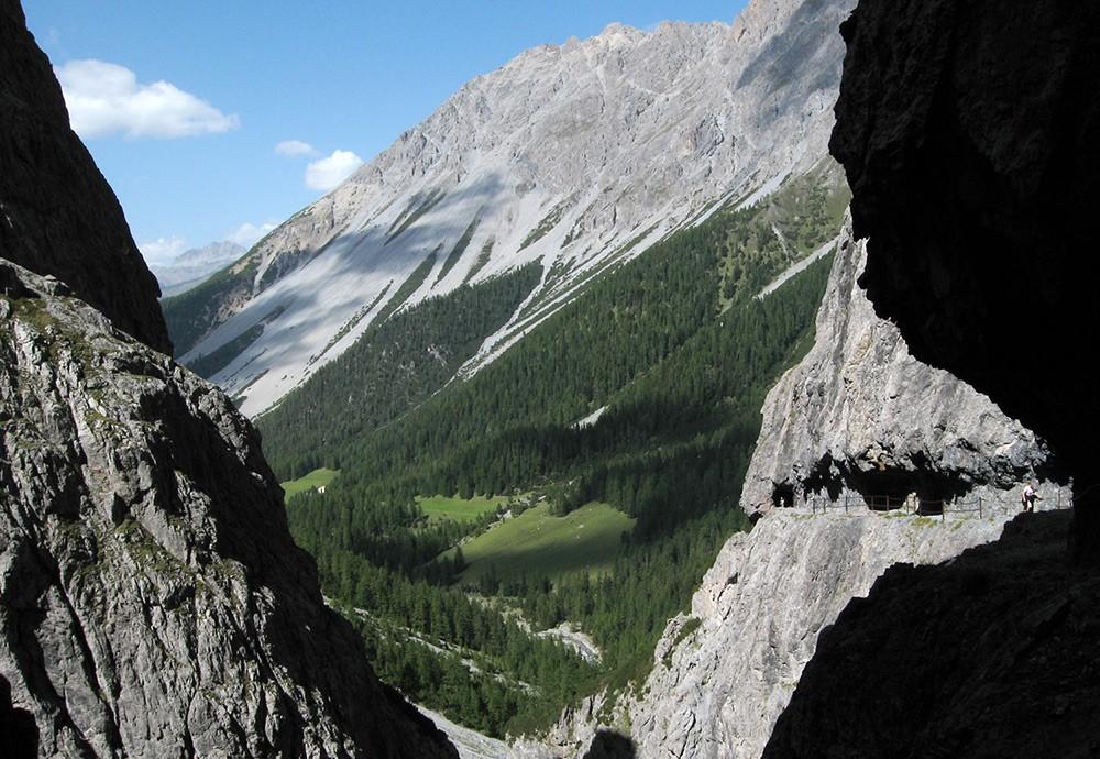 Best views in Switzerland: Uina Gorge