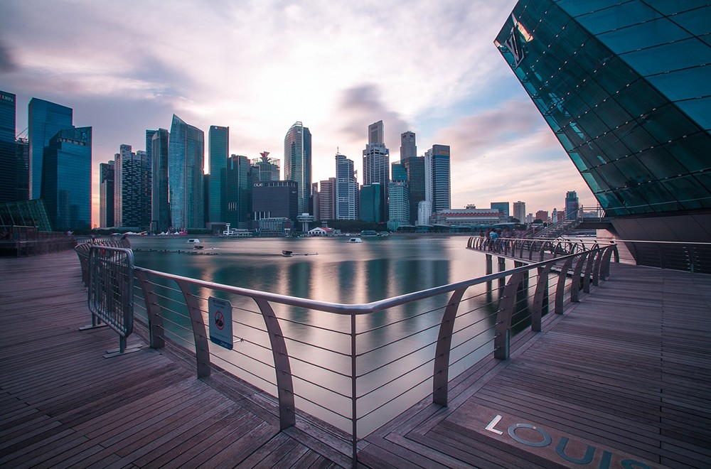 What is the expat community in Singapore like?