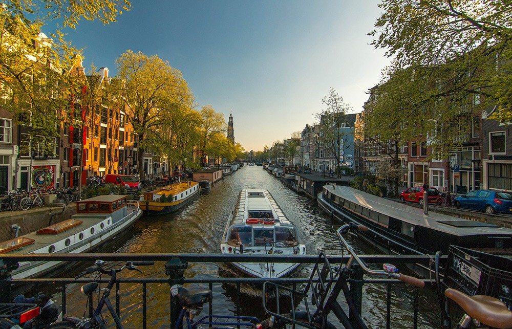 Canal tours - Amsterdam travel tips