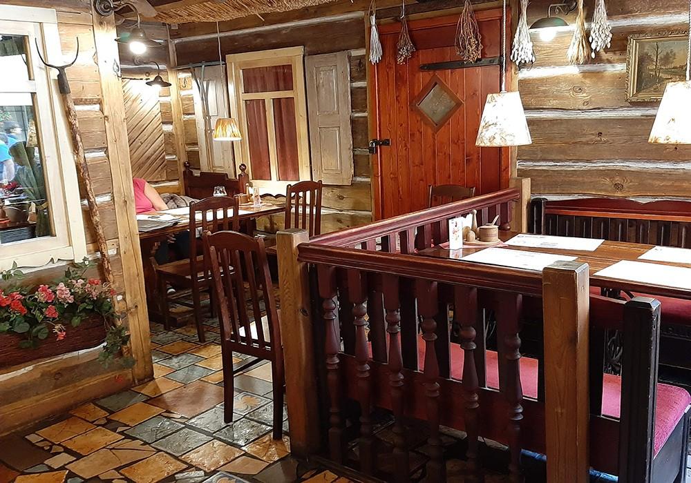 where to eat in Vilnius: Etno Dvaras