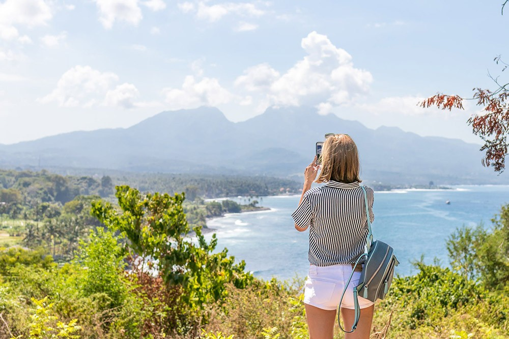 is working remotely abroad what you want?