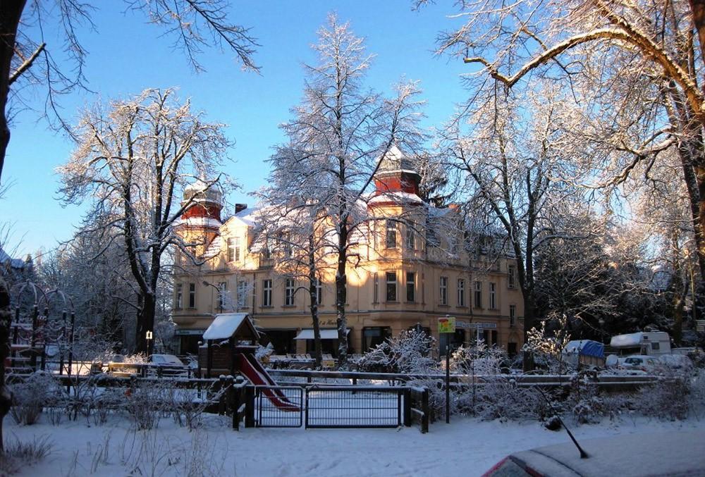 where to live in Berlin: Lichterfelde neighborhood