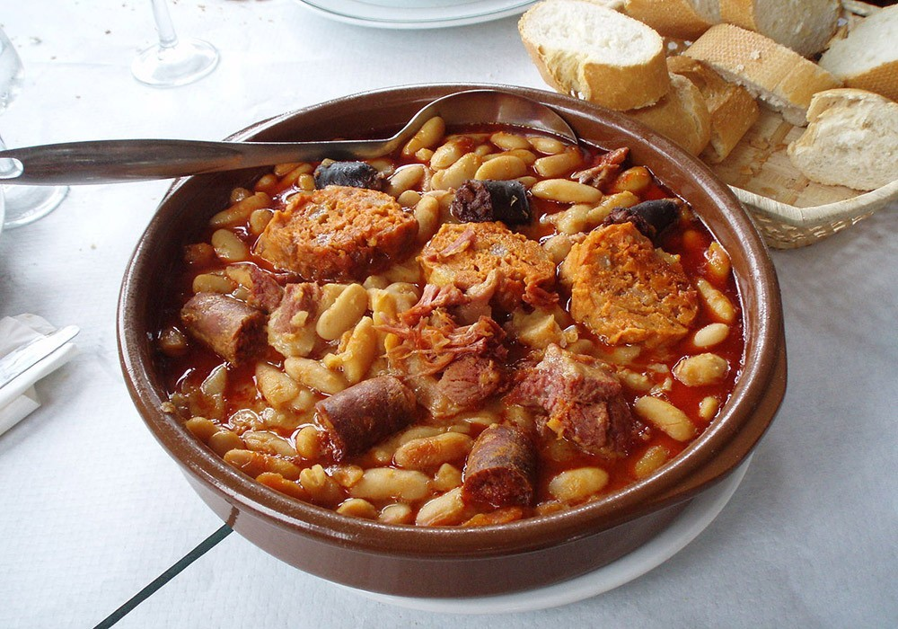 a serving of Fabada Asturiana