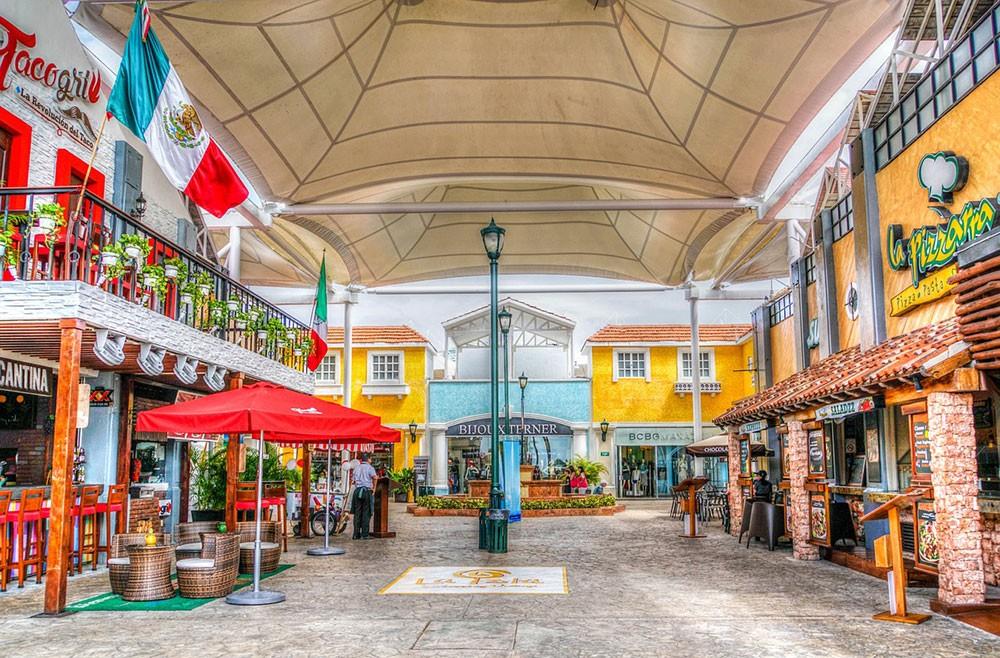 life in Cancun