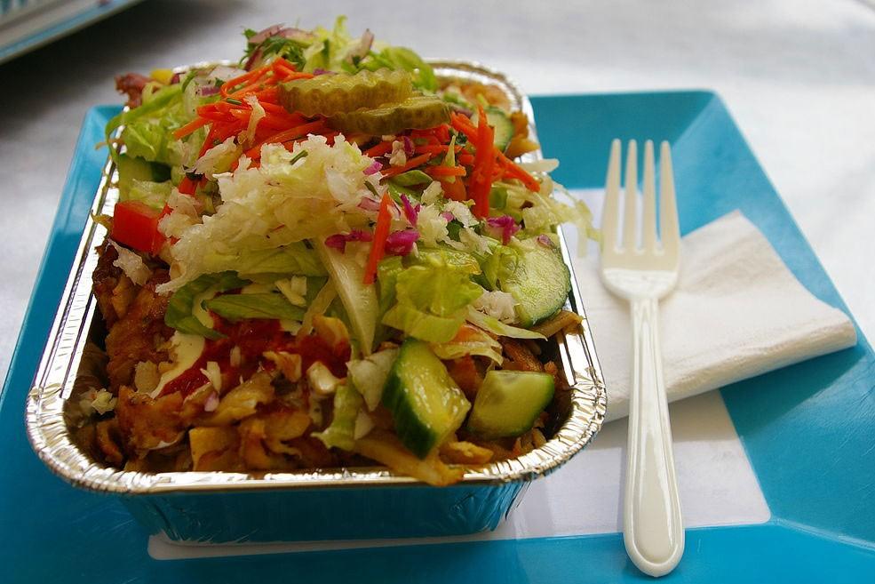a serving of the Dutch food Kapsalon